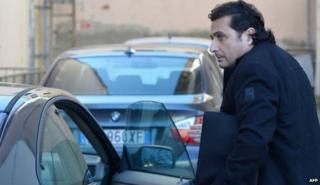 Francesco Schettino arrives at court (10 Feb)