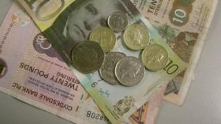 Scottish bank notes and pound coins