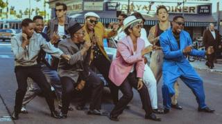 Bruno Mars and Mark Ronson in the video for Uptown Funk