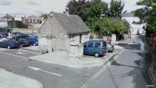 Southampton Street, Faringdon - car park and WC