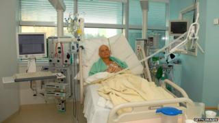 Alexander Litvinenko pictured in hospital