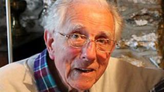Dr Meredydd Evans