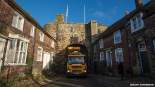 Clean-up operation at Landgate Arch, Rye