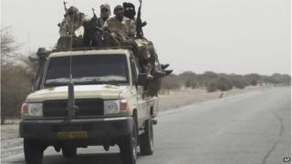 Chadian troops heading towards the region bordering Nigeria, 6 March 2015
