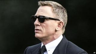 Daniel Craig filming James Bond
