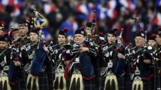 Pipers play Flower of Scotland ahead of a Scotland rugby game