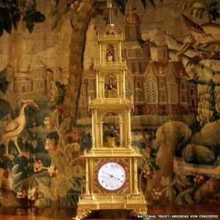 Pagoda clock