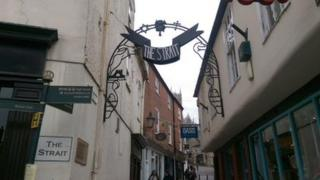 The Strait, Lincoln Steep Hill