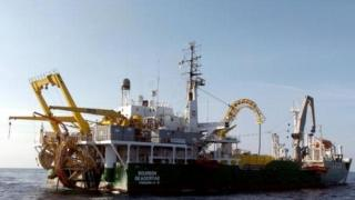 Cable laying boat