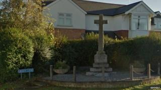Hucclecote war memorial