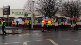 Dunnes Stores workers hold a picket out the Cornelscourt branch in County Dublin