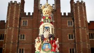 Anniversary cake for Hampton Court Palace