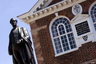 Bronze statue of Sir Robert Peel dating from 1852