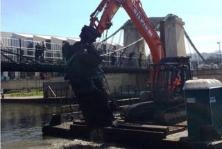 Car pulled from River Avon