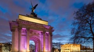 Wellington Arch and Apsley House