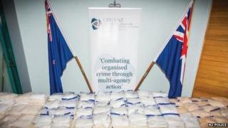 Police display seized methamphetamine in Auckland (17 April 2015)