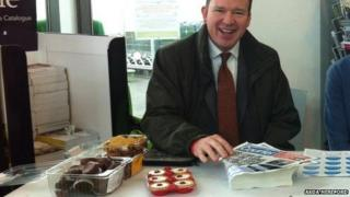 Jesse Norman and some cakes