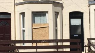 Broken window Walmer Street