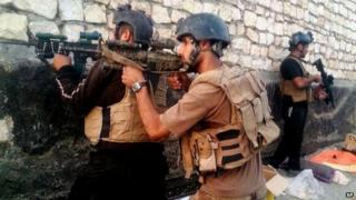 Iraqi security forces in Ramadi, 21 April 2015
