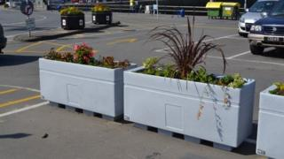 Guernsey planters
