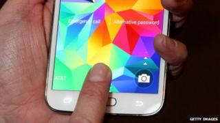 Samsung S5 fingerprint flaw exposed