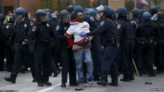 Baltimore Freddie Gray death protest turns violent