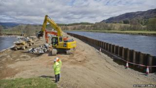 Repairs at Cullochy Weir
