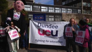 Dundee picket