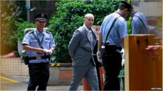 Peter Gardner arrives at court in Guangzhou (7 May 2015)