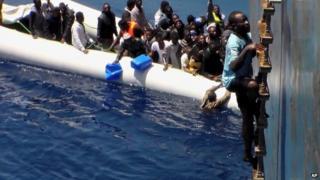 Migrant rescue in Mediterranean, 3 May 15