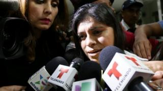 Dorotea Garcia (centre) speaks to media after arriving to Mexico. Photo: 12 May 2015