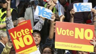Yes and No banners during referendum campaign