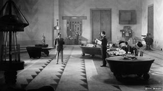 This is how Fritz Lang imagined the future office in 2000 in the 1927 film Metropolis