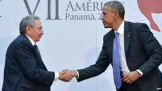 Cuban President Raul Castro shakes hands with US President Barack Obama - 11 April