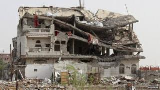 Building destroyed by Saudi-led air strike in Haradh, Yemen (20 May 2015)