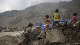 children finding shelter