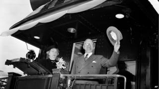 "Mr and Mrs Truman on ""Magellan"" train"