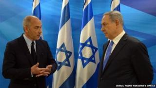 Stephane Richard (left) and Benjamin Netanyahu (12/06/15)