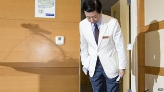 Song Jae-Hoon apologises for failings at the Samsung Medical Center. 14 June 2015
