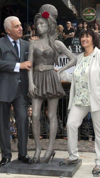 Mitch and Janis Winehouse at the statue unveiling