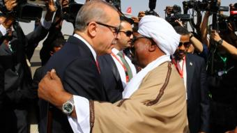 صحفيون يتساءلون عن الدافع وراء قرار السودان وما الذي سيستفيده