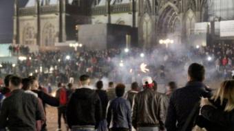 أثار العدد الكبير من التحرشات والسرقات التي استهدفت النساء في حفل راس السنة في كولونيا الفزع في األمانيا