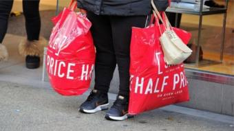 انخفضت نسبة المتسوقين في موسم التخفيضات نحو 4 في المئة