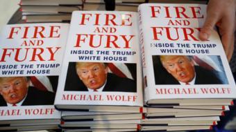 """نسخ من كتاب """"نار وغضب"""" عن ترامب"""