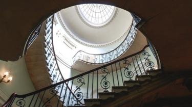 Escalera interior de la Casa Somerset de Londres