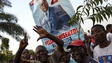 Wafuasi wa Felix Tshisekedi awali walikusanyika nje ya makao makuu ya chama chake Limete, Kinshasa Jumatano