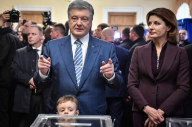 Petro Poroshenko votes in Kiev, 31 March