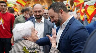Presidential candidate for the Spanish far-right party Vox Santiago Abascal (C) greets supporters before a campaign rally in Burgos, northern Spain on April 14, 2019, ahead of the April 28 general elections