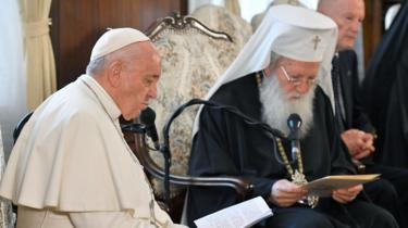 Pope Francis and Bulgarian Patriarch Neofit in the Palace of the Synod in Sofia