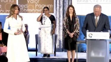 Đệ nhất phu nhân Mỹ Melania Trump tại lễ trao giải Phụ nữ Quả cảm 2017